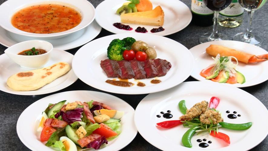 【食事】夕食の一例。季節の自家栽培野菜をたっぷり使います。バランスもボリュームも◎!