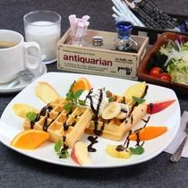 【料理】選べる朝食。SNSにアップしたいと女性に人気!味も◎なアメリカンワッフルセット。