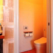 【客室】ツインルーム(E)です。全室トイレ洗面付で快適。