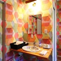 【客室】ツインルーム(B)です。全室トイレ洗面付で快適。