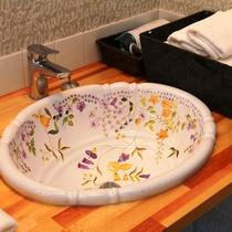 【客室】ツインルーム(A)です。全室トイレ洗面付で快適。