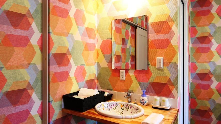 【客室】ツインルーム(B)です。 全室トイレ洗面付で快適。
