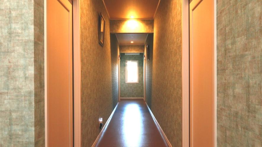【館内】全5室の落ち着いた空間です。平屋建てなので年を重ねたワンちゃんにも人にも安心