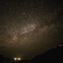 星砂の浜から施設側の星空