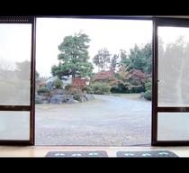 客室◆縁側からは、田舎ならではの景色が広がります