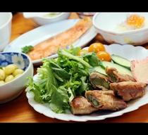 朝食◆新鮮野菜を使用した、田舎の朝ごはんをご用意いたします