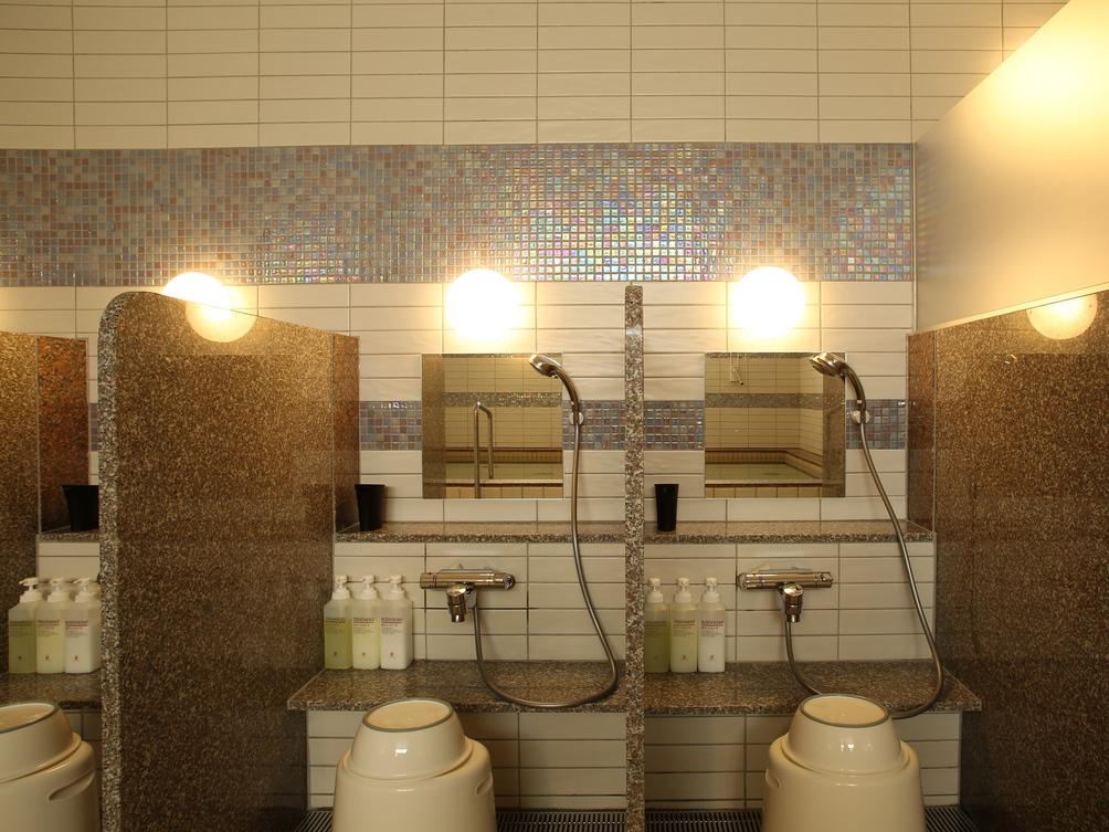 人工温泉大浴場(女性用) 洗い場