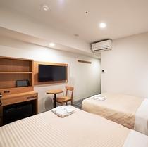 ツイン【シモンズ社製シングルベッド(幅120cm) ベッド2台】