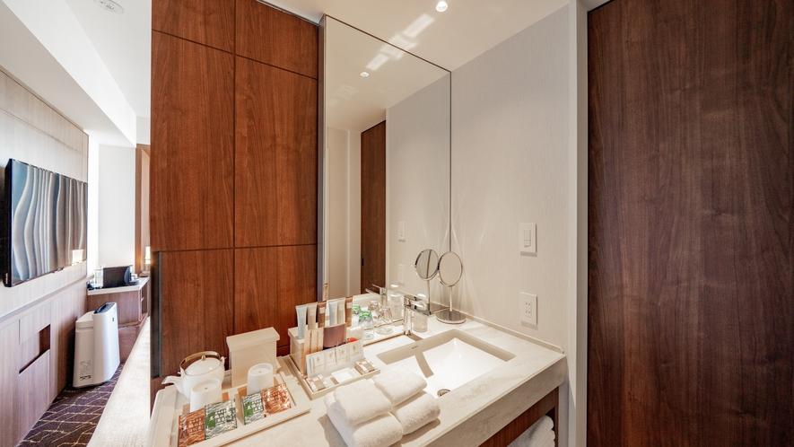 高層階プレミアダブルの独立した洗面台