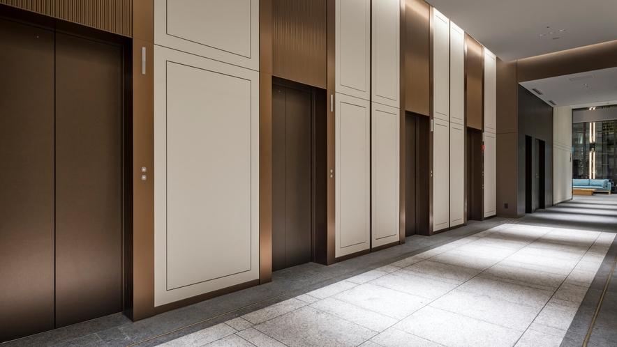 1階エレベーターホール