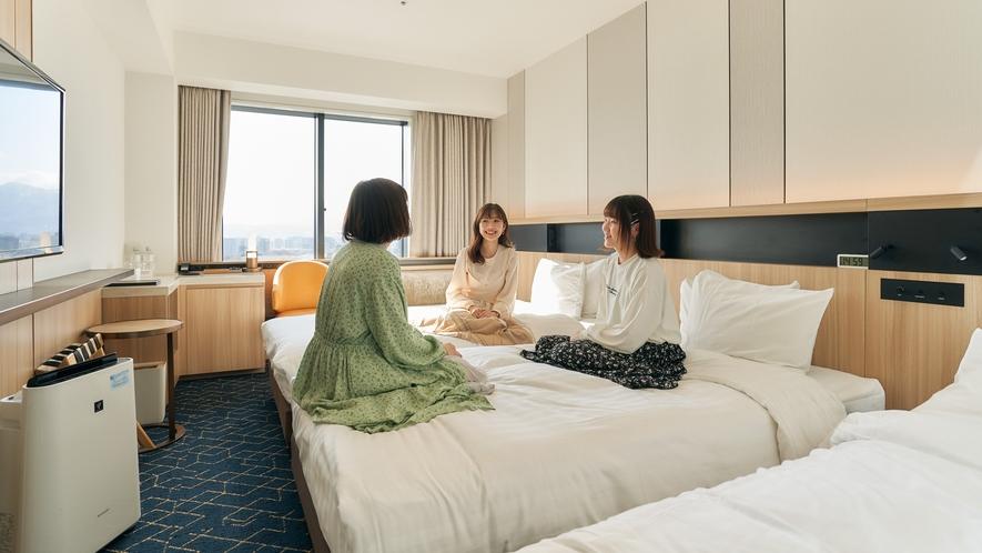 スーペリアツインは最大3名様まで宿泊可能☆高層階から見える眺望に、自然と会話が弾みます。