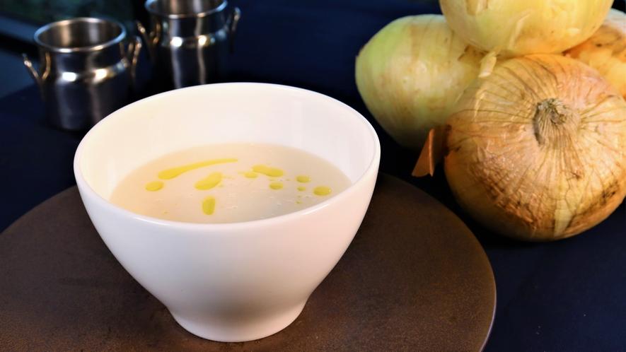 【2021年7月】不定期変更*朝食ライブキッチンメニュー★北大牛乳を使った白いスープ