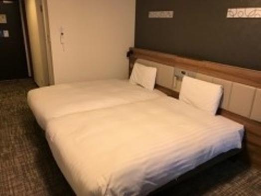 【ハリウッドツイン】2つのベッドをくっつけて広々利用◆彩り豊かな朝食無料サービス◆