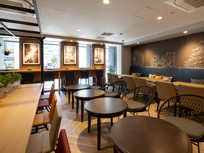 【ライブラリーカフェ】仕事をしたい時・リラックスしたい時。ゆったりした空間できままにお過ごし下さい