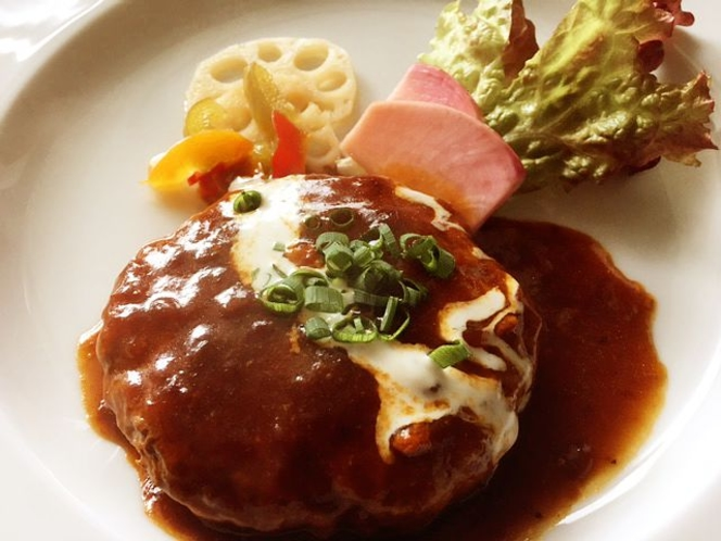 デミグラスハンバーグ(食事例)