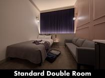 【STANDARD DOUBLE】ベッド下スペースにスーツケースを収納していただけます。
