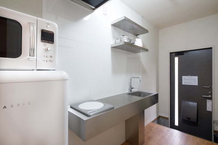 キッチン/玄関 105号室