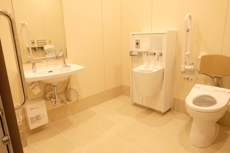 【1F】公衆用トイレ