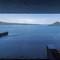 空に浮かぶ露天風呂 湖上の湯