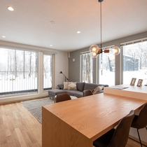 【2ベッドルーム】窓から望む雪景色