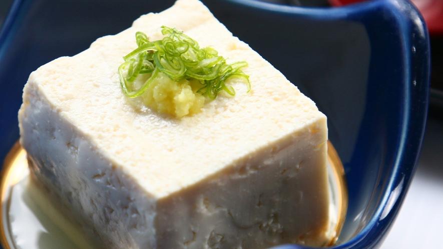 *ご朝食<イメージ>自家製のお米や野菜、素材すべてにこだわっております。