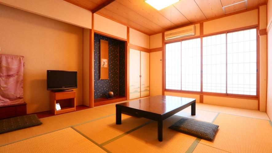 和室*全室洗面とウォシュレット付トイレ、広縁が付いております。ゆったり、のんびりとお寛ぎください。