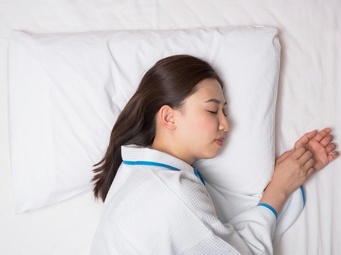 【オリジナル快眠枕】寝具メーカーと共同開発した「チョイスピロー」は横向きの体勢でもフィットする設計♪