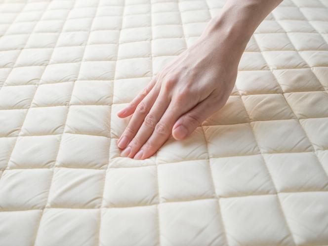 全室ベッドパッドは低反発素材仕様です