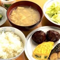 朝食(和食盛り付けイメージ)