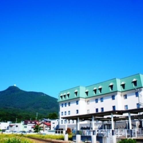 ホテル外観(釜臥山back)