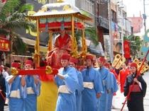 首里城祭り(那覇市・国際通り)