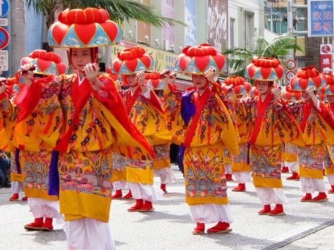 首里城祭り(国際通り風景)