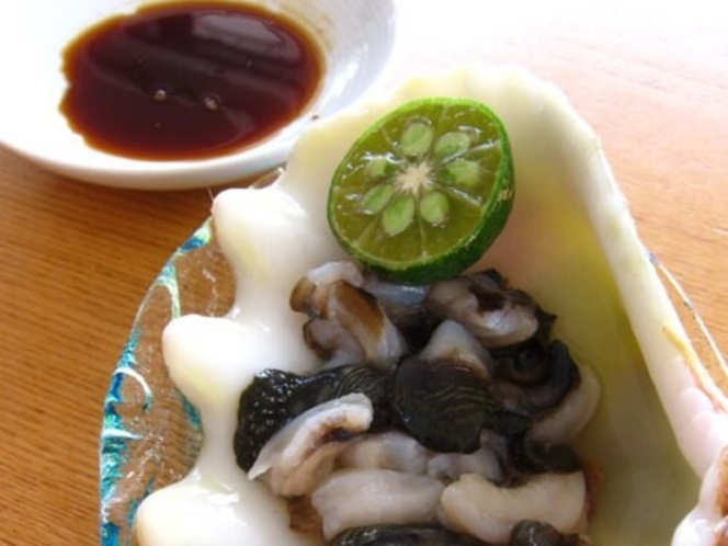 【沖縄郷土料理】潮の香が爽やかなシャコ貝(方言:ぎーら)