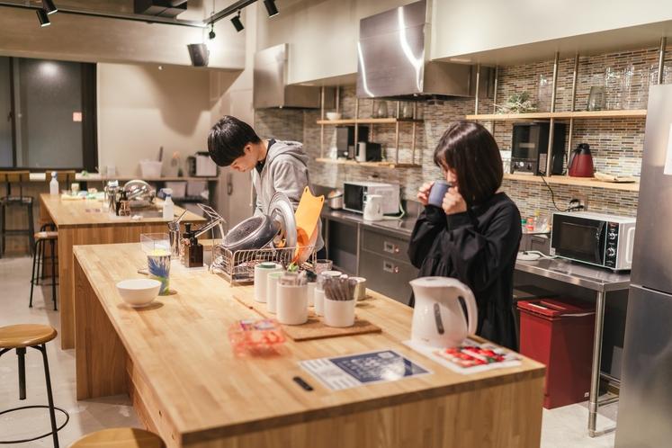 広々としたキッチンで持ち込んだ食材での料理可能
