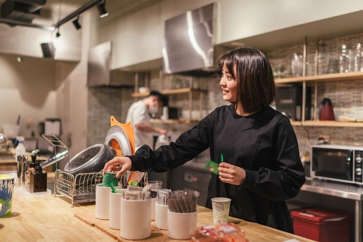 広々としたキッチンで持ち込んだ食材で料理可能