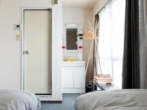 アパートメントタイプのため、ビジネスホテルよりお部屋が広めです。