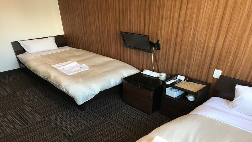 客室(ツイン・シングルベッド×2)