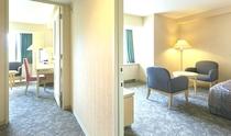 フォーベッドルーム 二つのお部屋がありグループにオススメ。