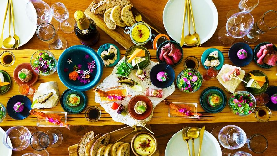 """【五感で愉しむ】料理人が""""旅を彩る""""為にこだわり抜くー…。※豪華ホームパーティプランのお料理イメージ"""