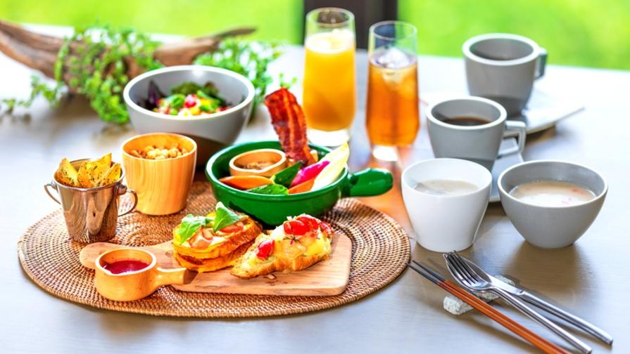 """【朝食付き】洋食or沖縄和食。滞在スタイルに合わせて場所・時間も""""自由に♪""""飛行機もセット"""