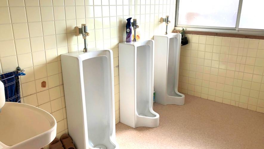 【施設】男性用のトイレも完備しております。