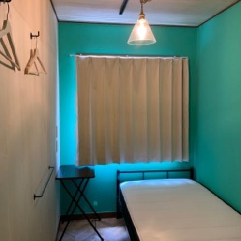 モヒートをイメージする色の洋室シングル