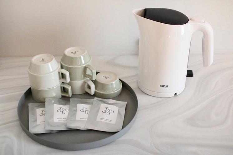 マルヒロの「HASAMI」+TSUGUオリジナルブレンド紅茶&オリジナル抹茶入り煎茶