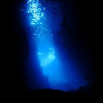 真栄田岬・青の洞窟【車で15分】
