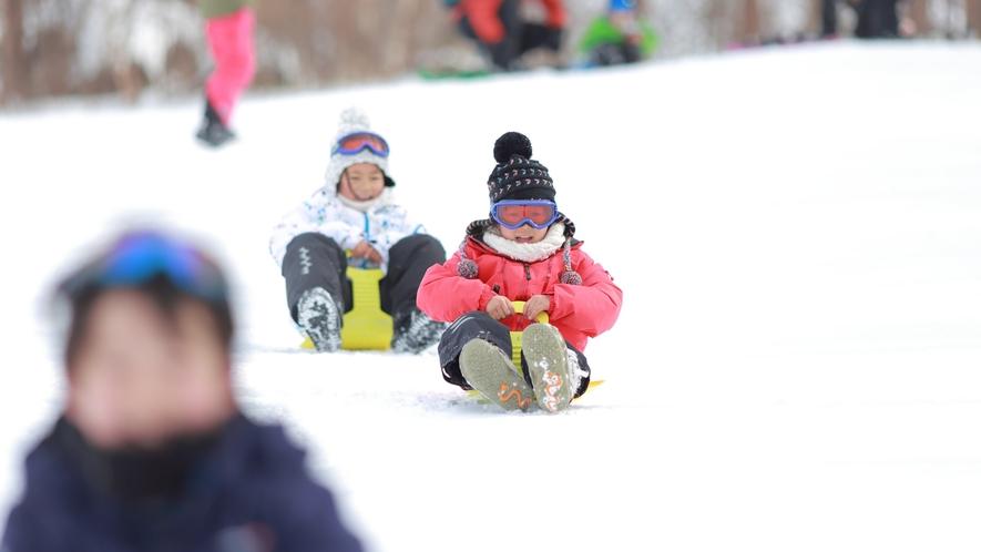 【雪遊び】一面に雪が広がる場所で、おもいっきり遊ぼう!