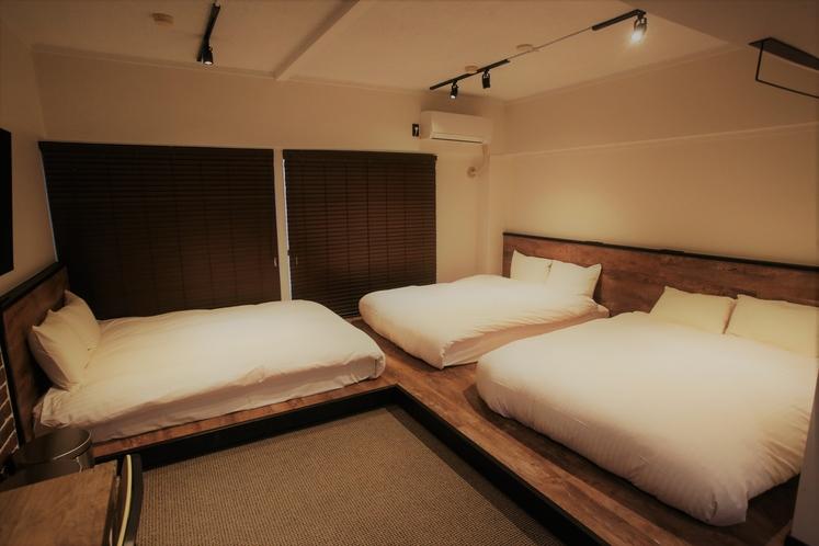 ダブルベッド(3ベッド洋室)