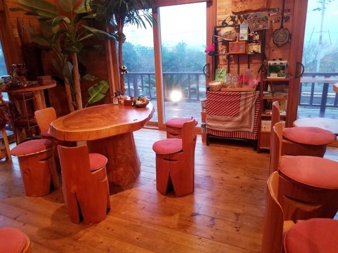 1階 海が見えるカフェ席