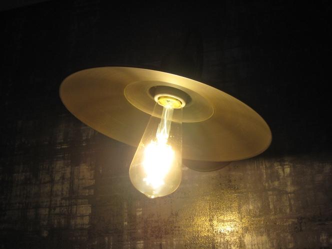 印象的な和モダンルーム照明