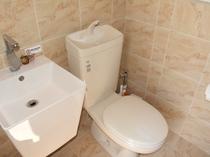 ハウス内のトイレ