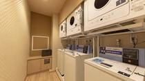 ■脱衣所内 洗濯機・乾燥機 男性:4台 女性:3台